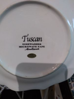 Tuscan Ambriando plate set and 2 water pitchers for Sale in Fountain Valley, CA
