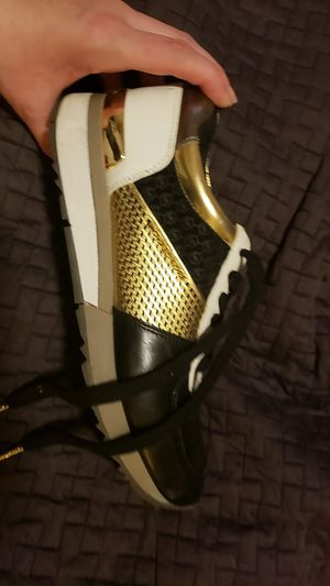 MK (Michael Kors) size 9 for Sale in Olympia, WA