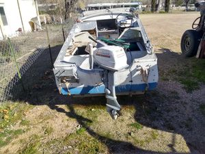 14 ft aluminum fishing boat with 9.5 hp Evinrude outboard motor small electric trolling motor up front Bimini top hummingbird graph clean title for Sale in Payson, AZ