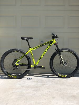 2017 Airborne Griffin 27.5+ Hardtail Mountain Bike Tubeless, Hydraulic Disk, SRAM, Manitou, MAXXIS, Dropper, UPGRADED and TRAIL READY!! for Sale in Las Vegas, NV