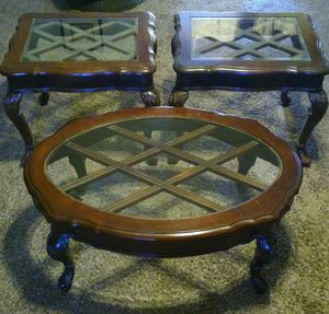 Coffee table/end table set for Sale in Fresno, CA