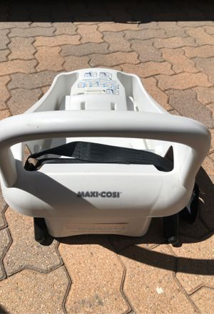 Maxi Cosi Mico car seat base for Sale in Los Angeles, CA