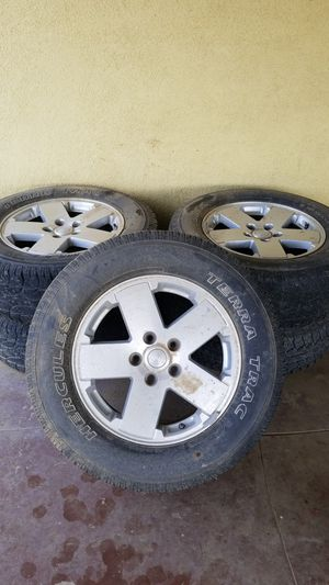 """""""2009""""5 stock jeep wheels.. for Sale in Wasco, CA"""