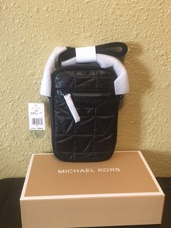 Brand New With Tags And In Gift 🎁 Box Michael Kors Phone Crossbody Purse for Sale in Downey,  CA