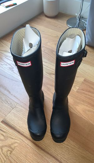 Rain boots Bargain shopping 🛍 Name Ur Price for Sale in Brooklyn, NY