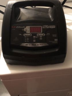 scumacher 100amp battery charger and engine starter for Sale in Hayward,  CA