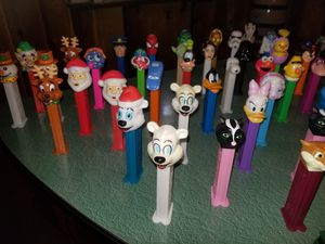 80 Pez dispensers for Sale in Indianapolis, IN