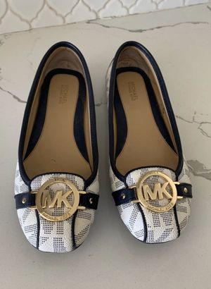 Michael kors shoes for Sale in Montclair, CA