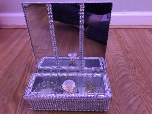 jewelry holder for Sale in Dearborn, MI
