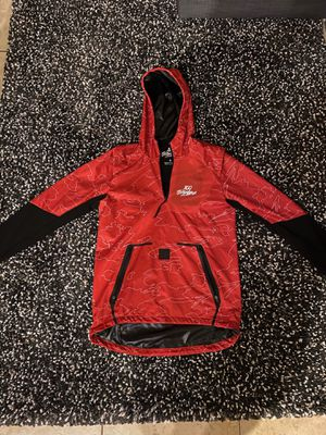 100 Thieves Geography Anorak Red/Black for Sale in Miami, FL
