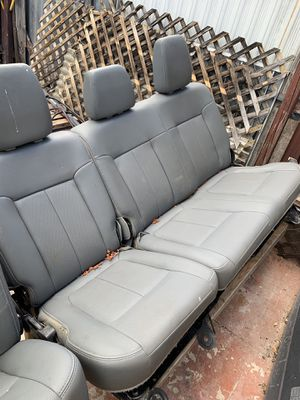 2014 Ford F-250 4 door seat front and back for Sale in Miami, FL