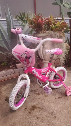 little kids pink minnie mouse bike 12-inch bicycle bicicleta ..LOCATED ON KROME AND SW 200ST for Sale in Homestead, FL