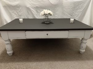 Farmhouse/shabby chic coffee table for Sale in Surprise, AZ
