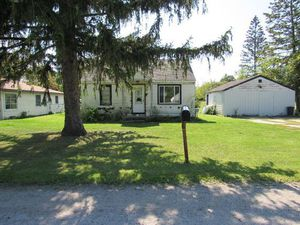 Single Family needs TLC just $9,900! for Sale in Saginaw, MI