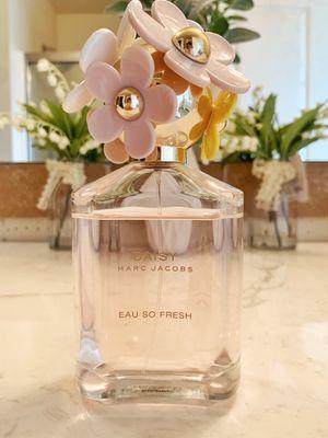 Marc Jacobs Eau So Fresh perfume 4.25oz for Sale in Auburn, WA