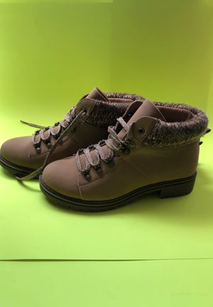 WOMEN'S BOOTS $13 NEW for Sale in Wauchula, FL
