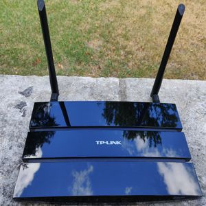 TP-Link N600 Dual Band WiFi Router - EXCELLENT Condition for Sale in Austin, TX