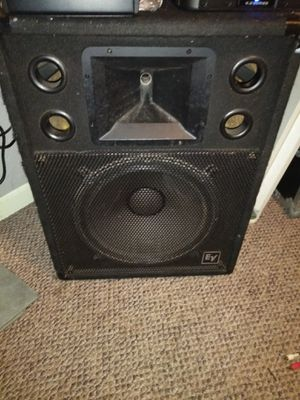"""Pair of 15"""" ev non powered speakers for Sale in Revere, MA"""