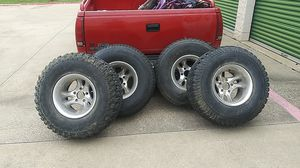 Tires 33 x 12.5 15 and wheels 5x5 GM for Sale in Euless, TX