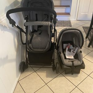 Gray Urbini Travel Set -stroller , Car Seat And Base for Sale in Riverdale, GA