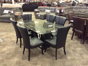Glass table and chairs for Sale in Phoenix, AZ