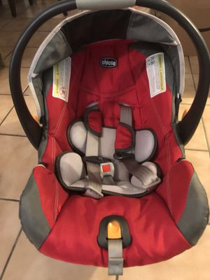 Chicco Key Fit 30 Snapdragon Infant Car seat w/base for Sale in Philadelphia, PA