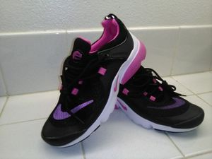 Black & pink Nike shoes (never used) # 7 woman for Sale in San Jacinto, CA