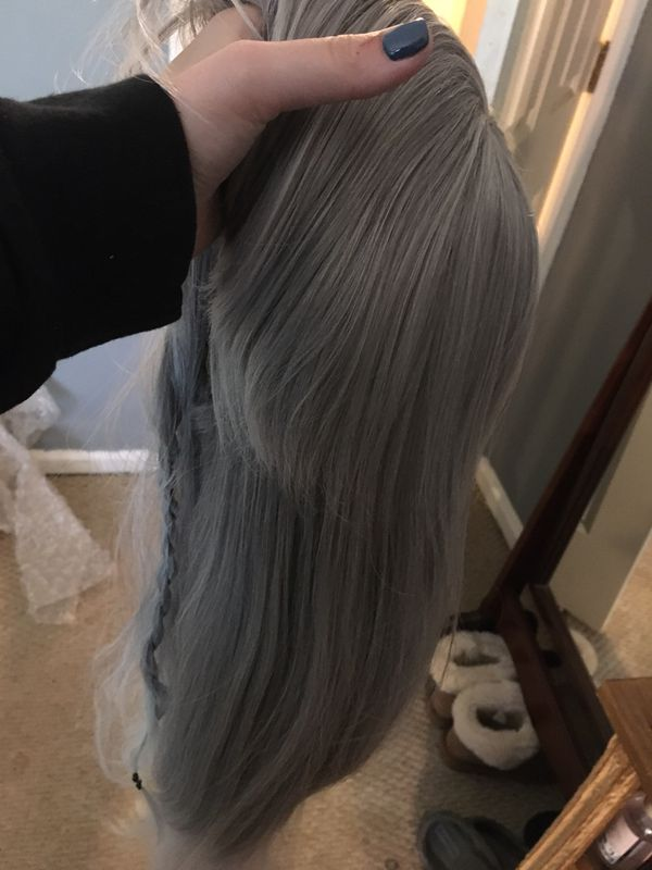 Ombré white / silver/ greyish long hair