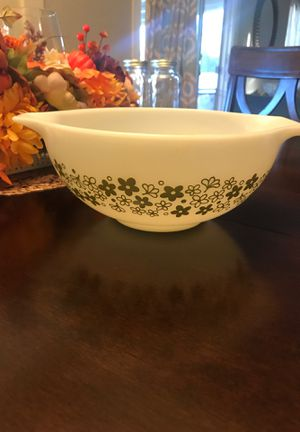 Pyrex 12 in vintage bowl for Sale in Baldwin Park, CA