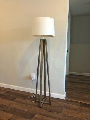 Modern Elegant Floor Lamp for Sale in Los Angeles, CA