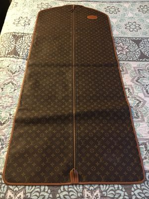 Louis Vuitton garment bag for Sale in Spring Valley, CA