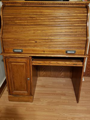 Roll Top Desk/Computer Desk for Sale in Abbeville, LA