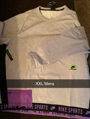 MENS NIKE SWEATER for Sale in Lockport, NY