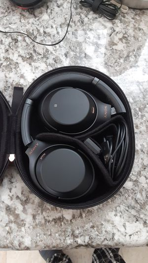 Sony WH-1000X M3 Sound canceling Headphones for Sale in Piedmont, CA