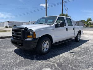 2005 Ford F-250 crew cab 65,000 miles for Sale in St.Petersburg, FL