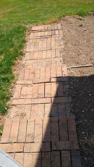 Free bricks for Sale in North Royalton, OH