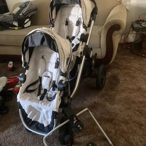 City Select Double Stroller for Sale in Covina, CA