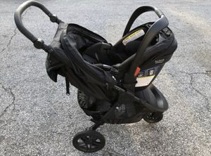Britax Car Seat / Stroller for Sale in East Meadow, NY