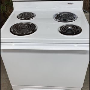 Amana electric stove for Sale in Fresno, CA