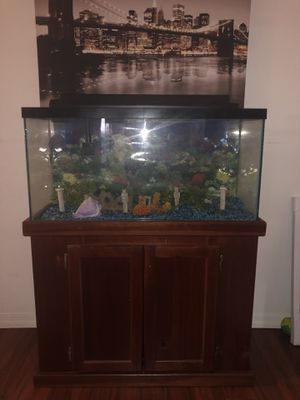 Fish tank for Sale in Key Biscayne, FL