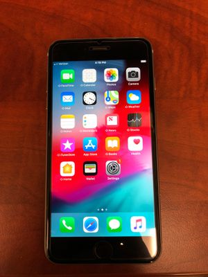 iPhone 6s Plus 128 gig unlocked any carrier for Sale in Union City, CA