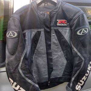 Men's Suzuki Motorcycle Jacket for Sale in Columbus, OH