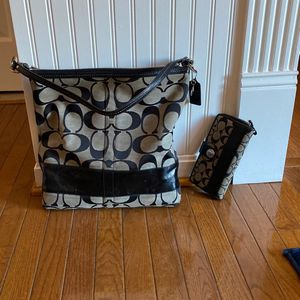 Classic Coach Tote Bag With matching Wallet for Sale in Bowie, MD
