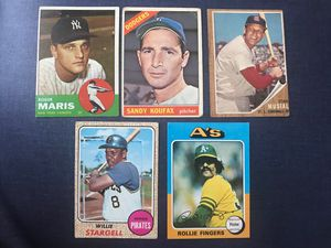 Roger Maris, Sandy Koufax, Stan Musial, Willie Stargell, Rollie Fingers vintage baseball card lot for Sale in Tampa, FL