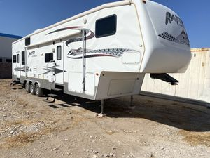 2006 keystone raptor toy hauler for Sale in Goodyear, AZ