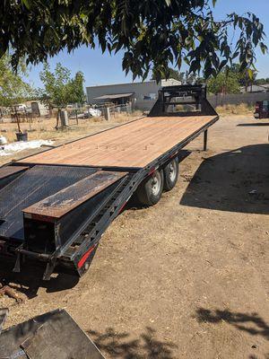 06 Kaufman gooseneck trailer for Sale in Valley Home, CA