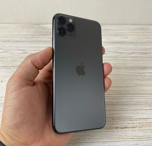 Unlocked iPhone 11 Pro Max for Sale in Sausalito, CA