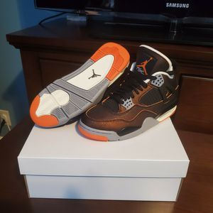 Brand New In Box Jordan 4 Retro Starfish (W) 7.5 for Sale in West Hartford, CT