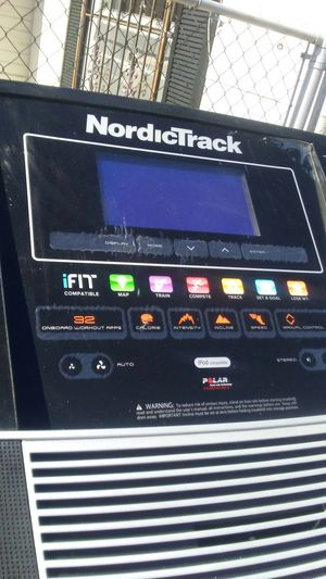 Nordictrack c900 treadmill for Sale in Tampa, FL