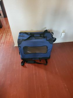 Soft dog crate for Sale in Fresno,  CA